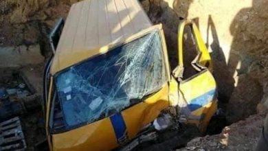 Photo of العقبة : سقوط تاكسي في حفرة أشغال لشركة الصوناد يخلف جرحى