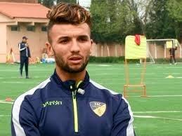 Photo of لاعب الإفريقي زكريا النعيجي في اتحاد العاصمة الجزائري