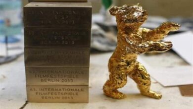 "Photo of فيلم ""باد لاك بانجينج أو لوني بورن""روماني ساخر يفوز بجائزة ""برلين السينمائي"""