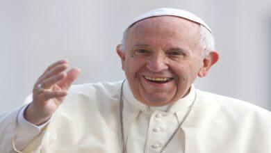 """Photo of البابا فرنسيس: """"يجب أن ندعو الى تغيير مفهوم الكره الى الحب  كما يجب ان نجعل للإنسانية قيمة أكبر""""."""