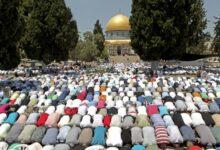Photo of آلاف الفلسطينيين يدخلون المسجد الأقصى مجدداً